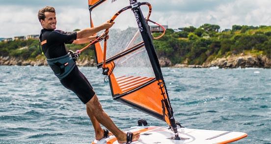 Housse mât de windsurf